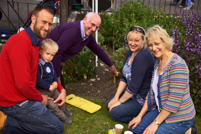 Fathers Day Planting - A Family Affair - Shaftesbury Snowdrops