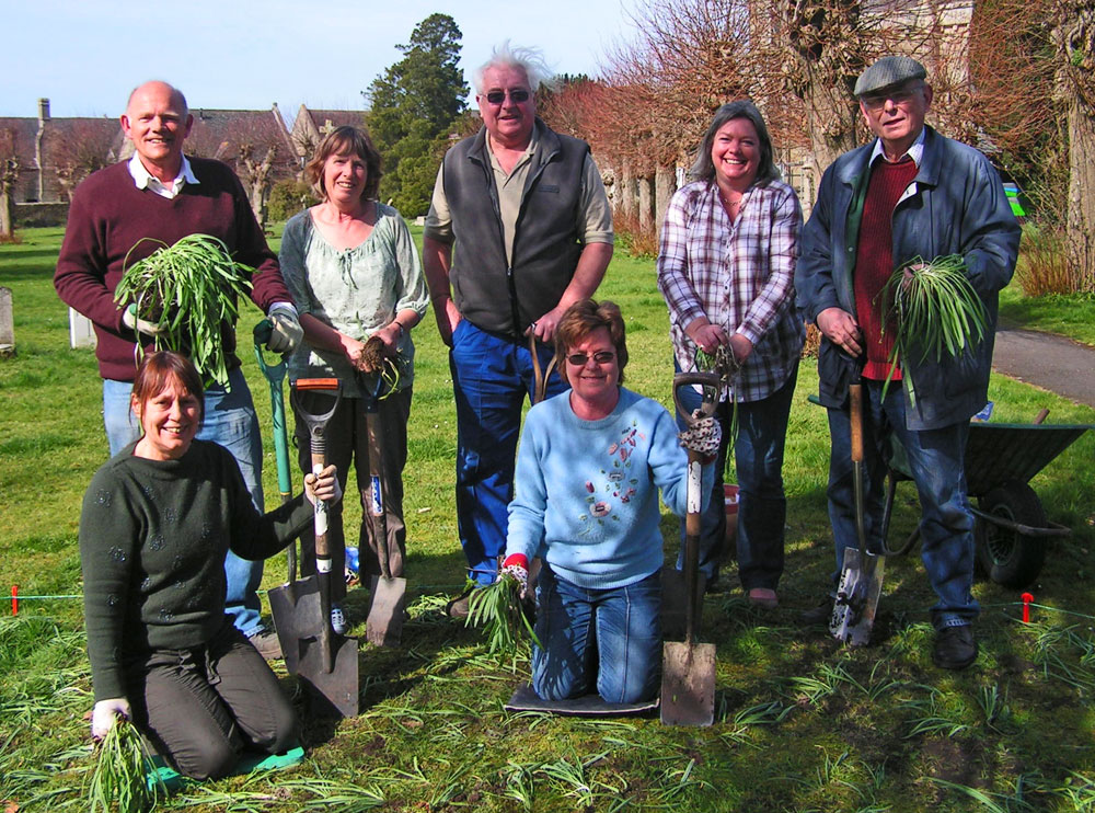Pam with some volunteer snowdrop planters in 2012 - Shaftesbury Snowdrops