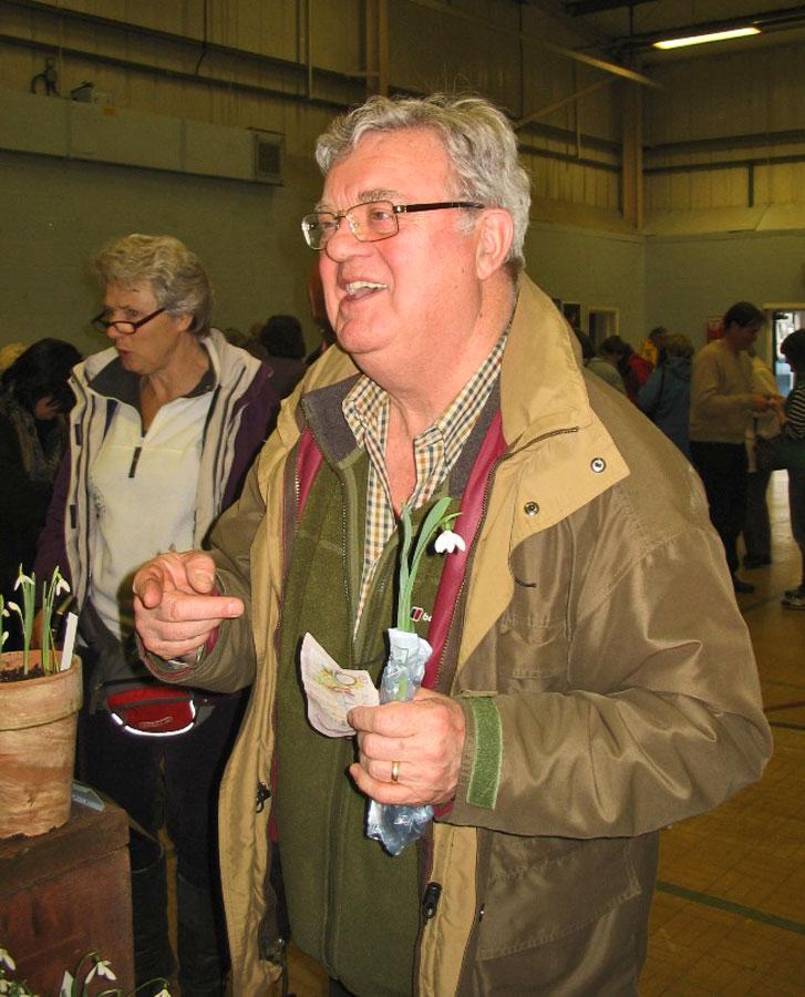 Steve Owen at a snowdrop show - Shaftesbury Snowdrops
